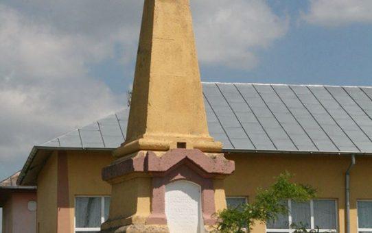 MONUMENTUL DE LA TONEA RIDICAT IN MEMORIA GENERALULUI NICOLAE DUMITRESCU MAICAN